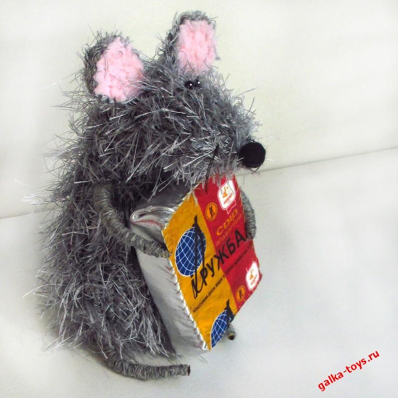 Мышка игрушка мягкая.