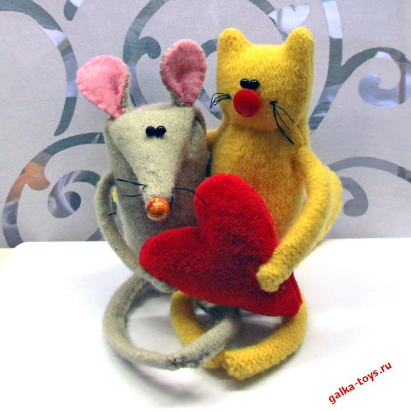 «Кошки — мышки» влюбленные
