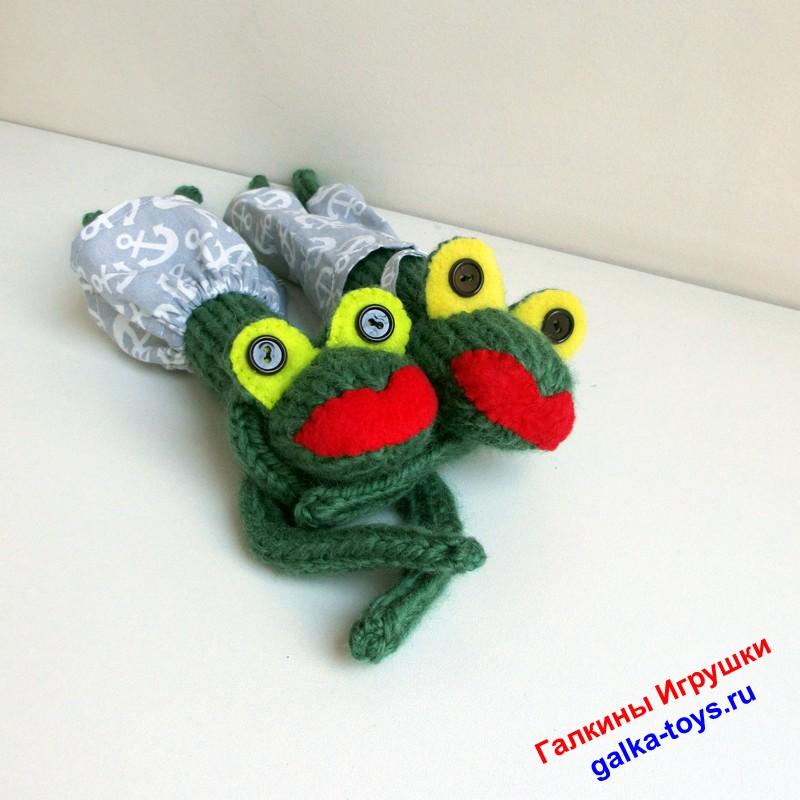 Игрушки лягушки — квакушки. Мальчик и девочка. Игрушка лягушка зеленая