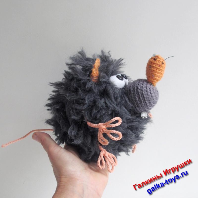 сувениры ручной работы,шкатулка для бижутерии,купить шкатулку из дерева,детские шкатулки,мягкая игрушка крыса,игрушка крыса,крыса игрушка,вязаная крыса,декоративные крысы купить,прикольные крысы,крыса крючком,приколы с крысами,крыска крючком,связать крысу крючком,шкатулка крыса,вязаная крыса крючком,вязаная крыска лариска,крыса вязаная крючком,крыса вязание крючком,вязание крючком крыса