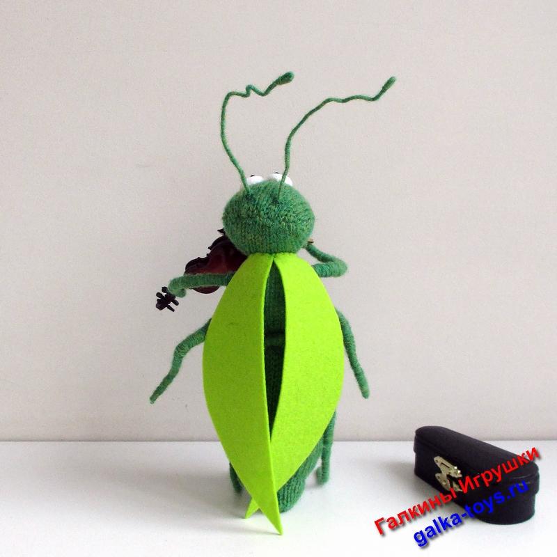 зеленый кузнечик,зеленый кузнечик зеленый,кузнечик зеленый,зелененький кузнечик,стрекотание кузнечиков,кузнечик на скрипке,смешной кузнечик,кузнечик на скрипице играл,кузнечики сверчки скрипачи,игрушка кузнечик купить