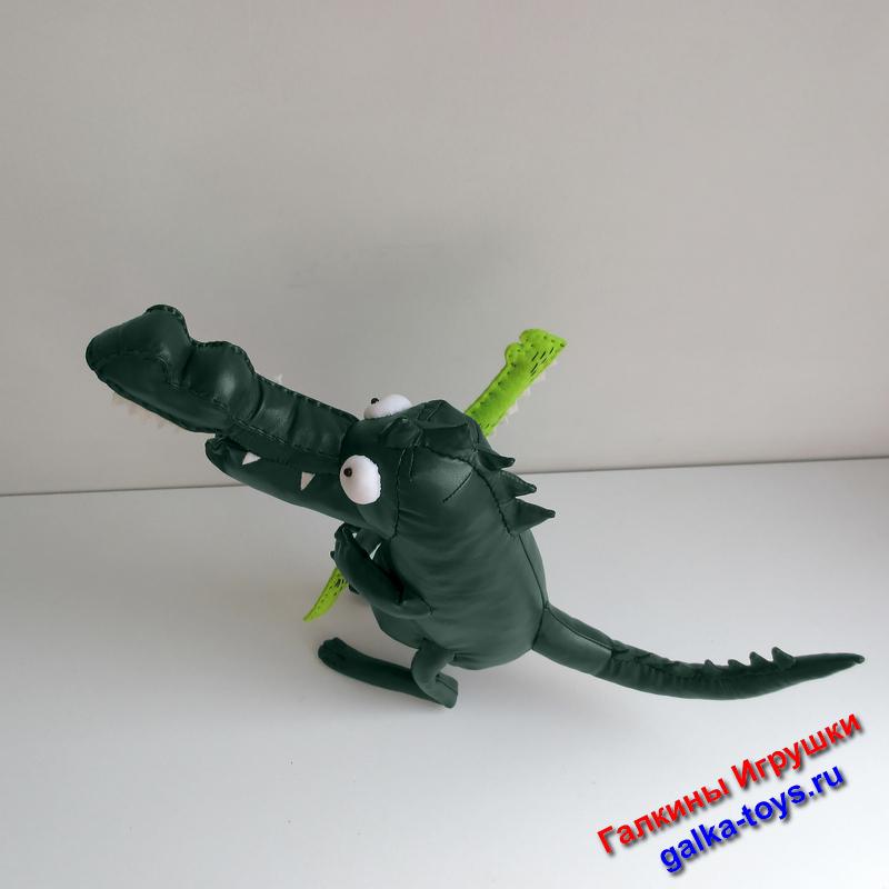 Вот такая парочка Крокодильчиков может поселиться в Вашем доме. Эта мягкая игрушка - отличный подарок маме или папе, бабушке или дедушке от детей или внуков.